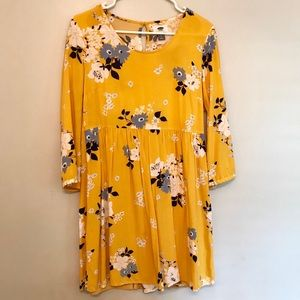Yellow floral old navy 3/4 sleeve flowy dress